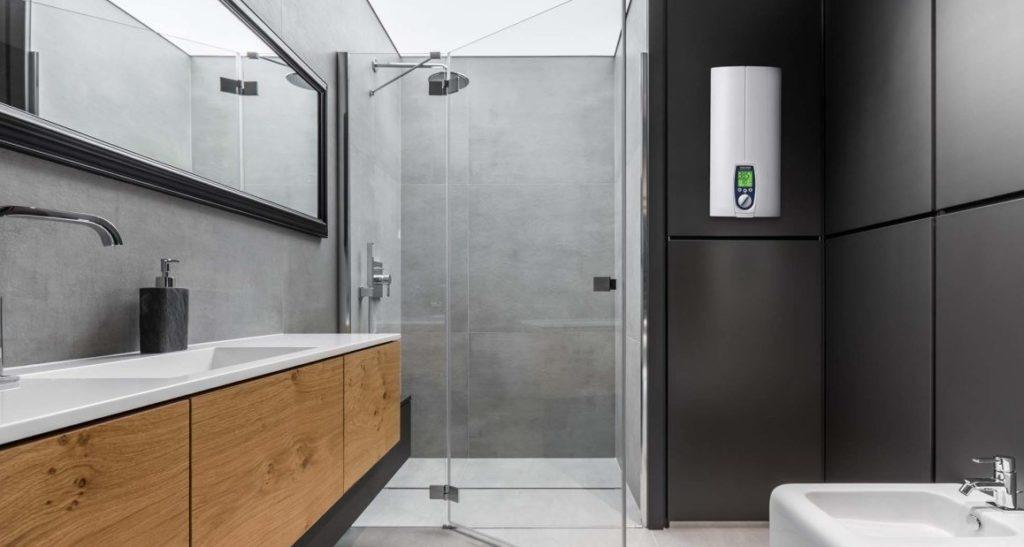 Компактный накопительный водонагреватель Stiebel Eltron с LED-дисплеем для удобства управления прибором